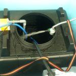 太陽熱温水器(半自作)のタンクを洗いました。
